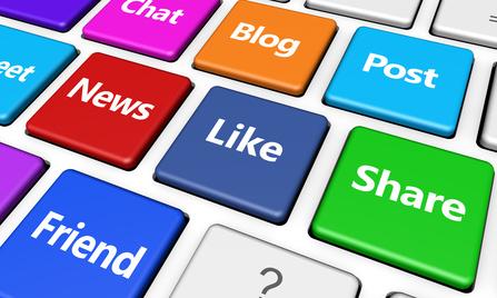 Bunte Tastatur mit Social Media Buttons