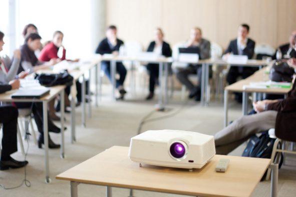 Foto eines Business Meeting Rooms